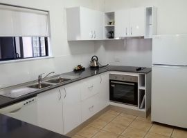 port_douglas_refurbished_apartments_04.JPG